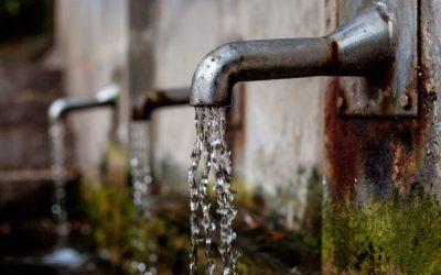 Mineralwasser oder Leitungswasser? Welches Wasser ist gesünder?